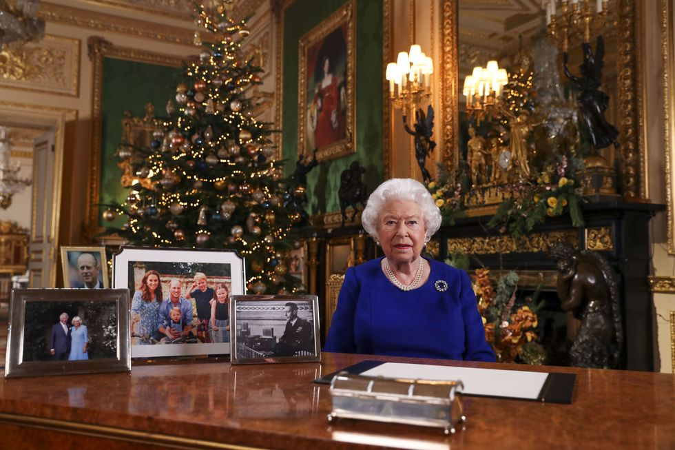 """NTK """"ruột"""" bật mí bí mật nhan sắc của Nữ hoàng Anh: Không bao giờ để người khác động chạm vào da, chỉ ưng duy nhất tuýp kem dưỡng ẩm 600k - Ảnh 4."""