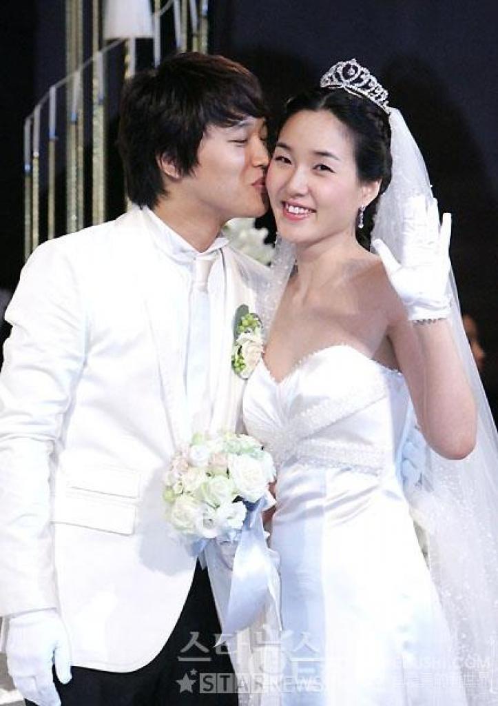 Những sao Hàn kết hôn với mối tình đầu: Toàn những câu chuyện đẹp như mơ ai nấy đều phải ngưỡng mộ - Ảnh 1.