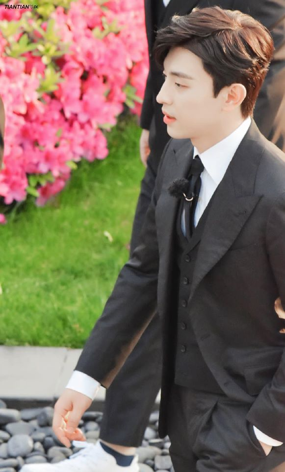 Thử thách cực hạn: Đặng Luân - Giả Nãi Lượng làm vệ sĩ mà thấy khói đã bỏ chạy, netizen bình luận đẹp trai là được  - Ảnh 13.