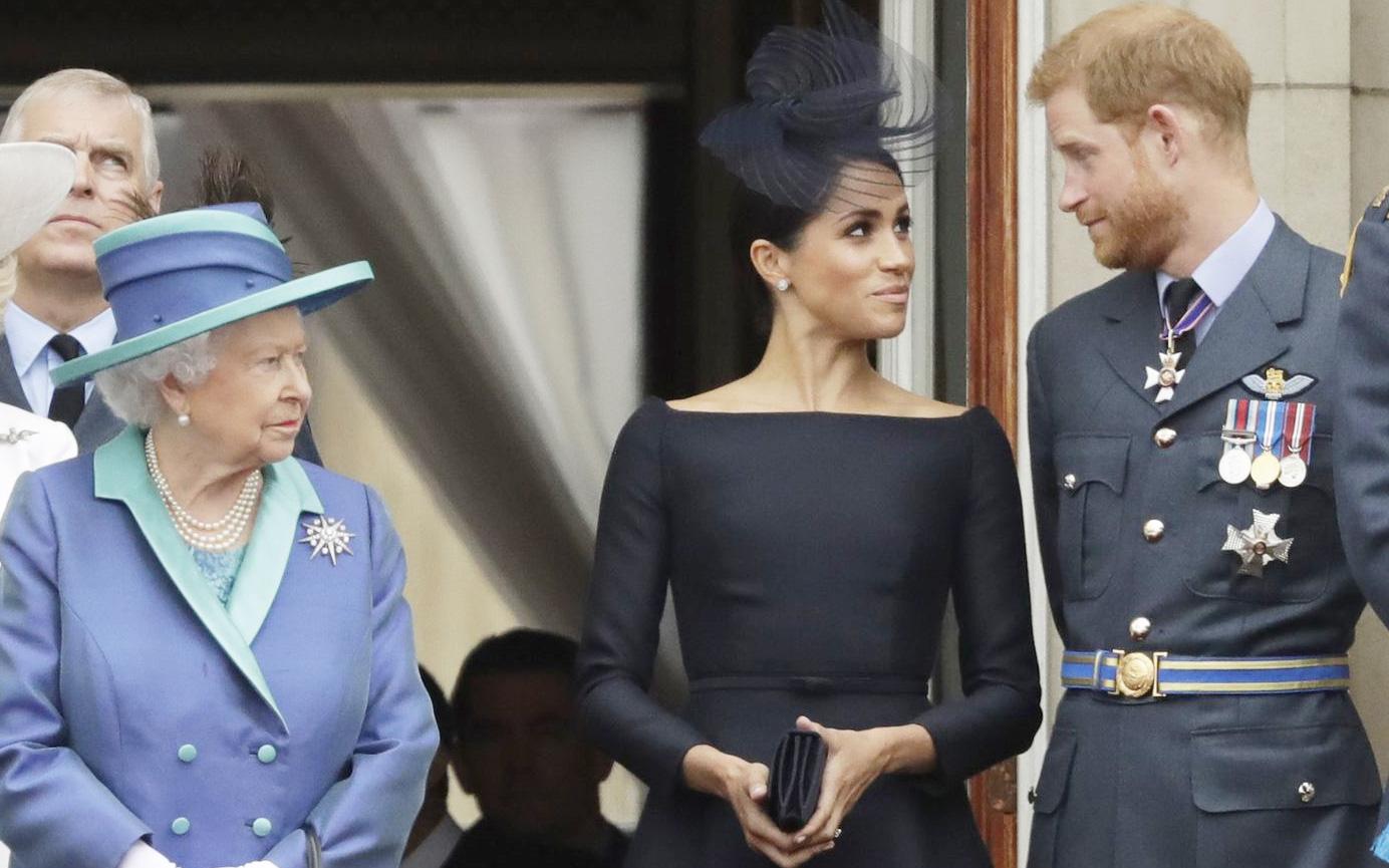 """Meghan Markle đang ôm """"quả bom"""" hẹn giờ có thể khiến hoàng gia Anh nổ tung bất cứ khi nào, chỉ chờ thời cơ chín muồi"""