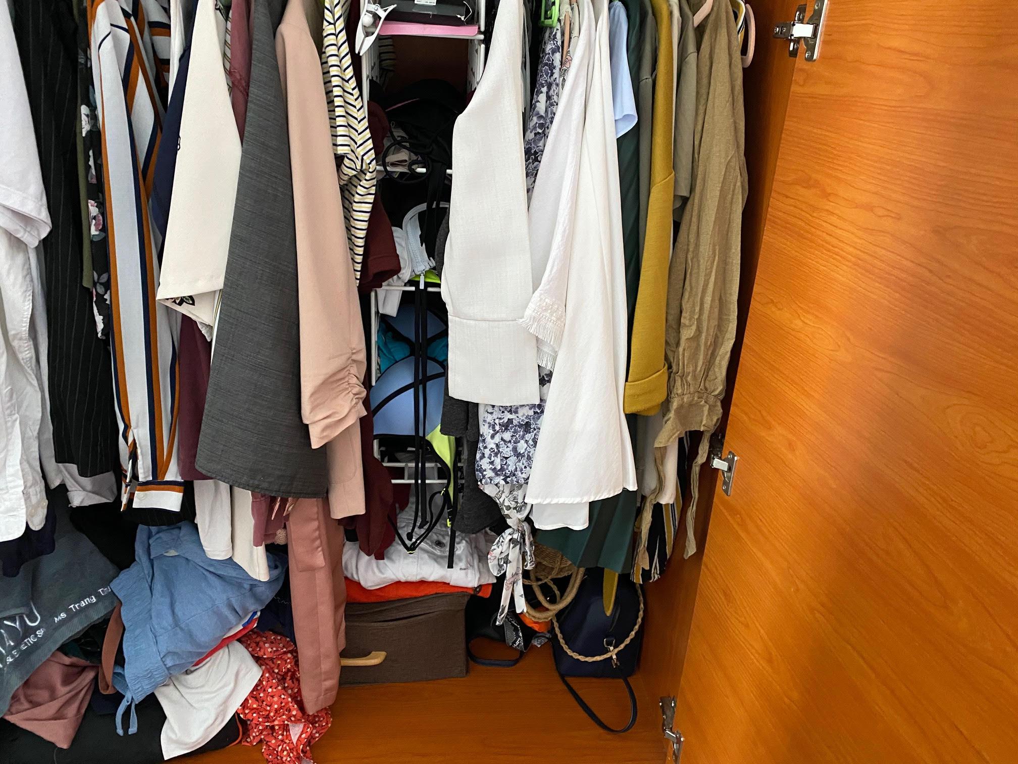 Có nên tối giản tủ quần áo, chia sẻ của cô gái trẻ mê thời trang tại Sài Gòn sẽ đánh thức chuyện dọn dẹp mà lâu nay nhiều chị em vẫn thường làm lơ - Ảnh 3.