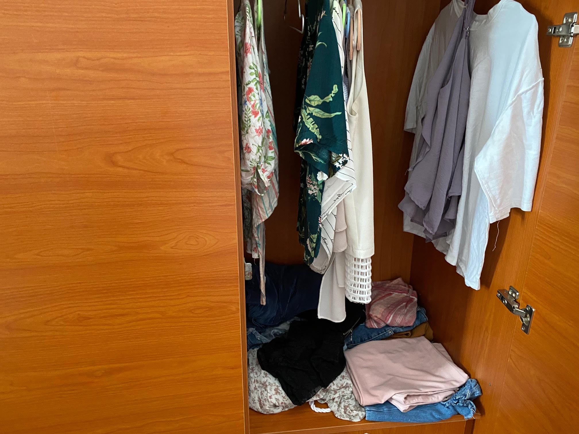 Có nên tối giản tủ quần áo, chia sẻ của cô gái trẻ mê thời trang tại Sài Gòn sẽ đánh thức chuyện dọn dẹp mà lâu nay nhiều chị em vẫn thường làm lơ - Ảnh 4.