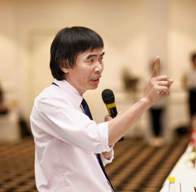 Trang Trần lên tiếng sau khi bị mắng vì vỗ mặt TS. Lê Thẩm Dương: Ai bảo tôi láo cũng được, dân mạng không có nuôi tôi  - Ảnh 7.