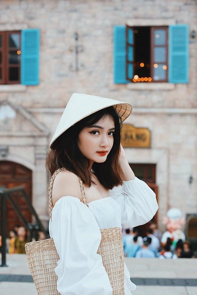 Chuyện lạ có thật: Quán lẩu tomyum ở Hà Nội bán đồ ăn vừa đắt vừa dở, bị khách nữ tố nhân viên phục vụ tự ý lấy điện thoại để review 5 sao cho quán - Ảnh 8.