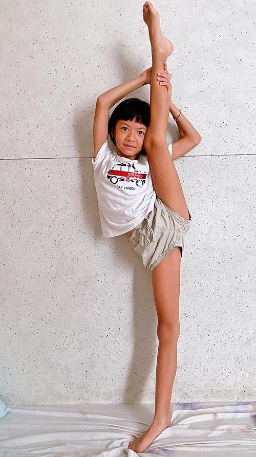 Con gái rủ chơi chung nhưng bà xã siêu mẫu Bình Minh lắc đầu nguầy nguậy, lý do khiến Khánh Thi cũng xuýt xoa - Ảnh 2.