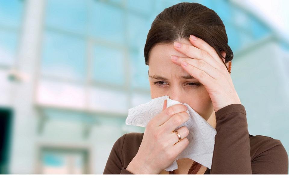 """Nhiều người bị bệnh đau đầu """"hành hạ"""" trong mùa hè, nguyên nhân có thể không đơn giản mà do 5 bệnh nghiêm trọng"""