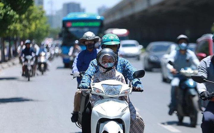 Đầu tuần nắng nóng trở lại, Hà Nội và các tỉnh Bắc Bộ với nền nhiệt trên 38 độ, cảnh báo mưa giông vào chiều tối