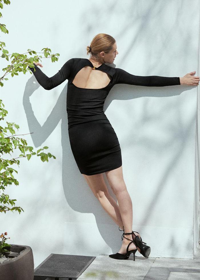 """Bó tay toàn tập trước những pha tạo dáng """"bá đạo"""" của người mẫu quảng cáo Zara - Ảnh 4."""