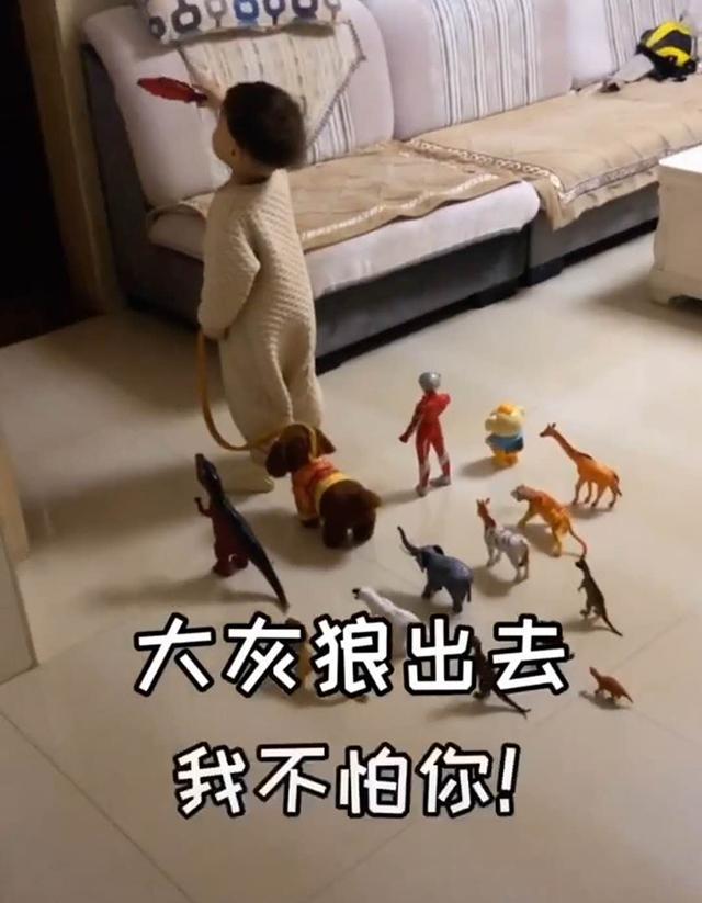 """Đang ngủ thấy con trai dẫn cả dàn """"chiến hữu"""" ra phòng khách, biết lý do người mẹ xúc động không nói nên lời - Ảnh 2."""