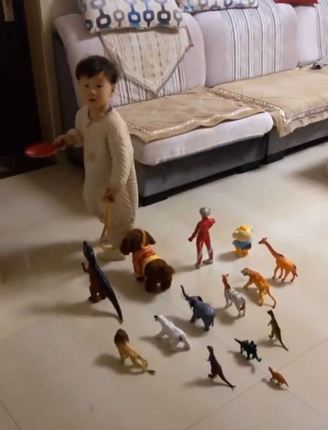 """Đang ngủ thấy con trai dẫn cả dàn """"chiến hữu"""" ra phòng khách, biết lý do người mẹ xúc động không nói nên lời - Ảnh 3."""