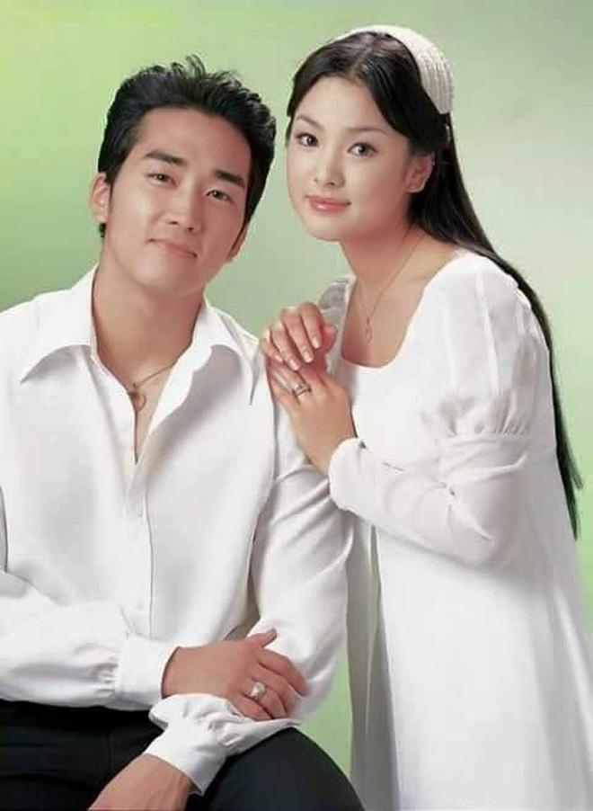 Loạt ảnh hiếm hoi thời Song Hye Kyo nặng 70kg: Vóc dáng mũm mĩm, makeup và tóc tai còn dừ hơn cả hiện tại - Ảnh 4.