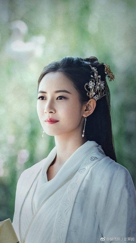 """Lý Dịch Phong tái xuất, lộ hậu trường đóng phim cổ trang với mỹ nữ """"Hương mật tựa khói sương""""  - Ảnh 7."""