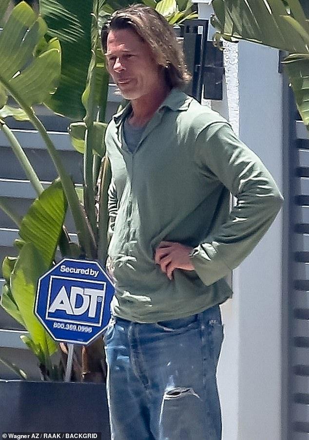 Brad Pitt xuống sắc khó nhận ra sau thời gian dài ở nhà tránh dịch, còn đâu tài tử quyến rũ nhất nhì Hollywood - ảnh 2