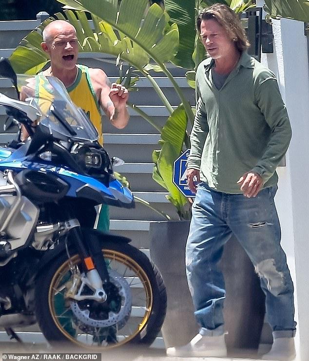 Brad Pitt xuống sắc khó nhận ra sau thời gian dài ở nhà tránh dịch, còn đâu tài tử quyến rũ nhất nhì Hollywood - ảnh 3