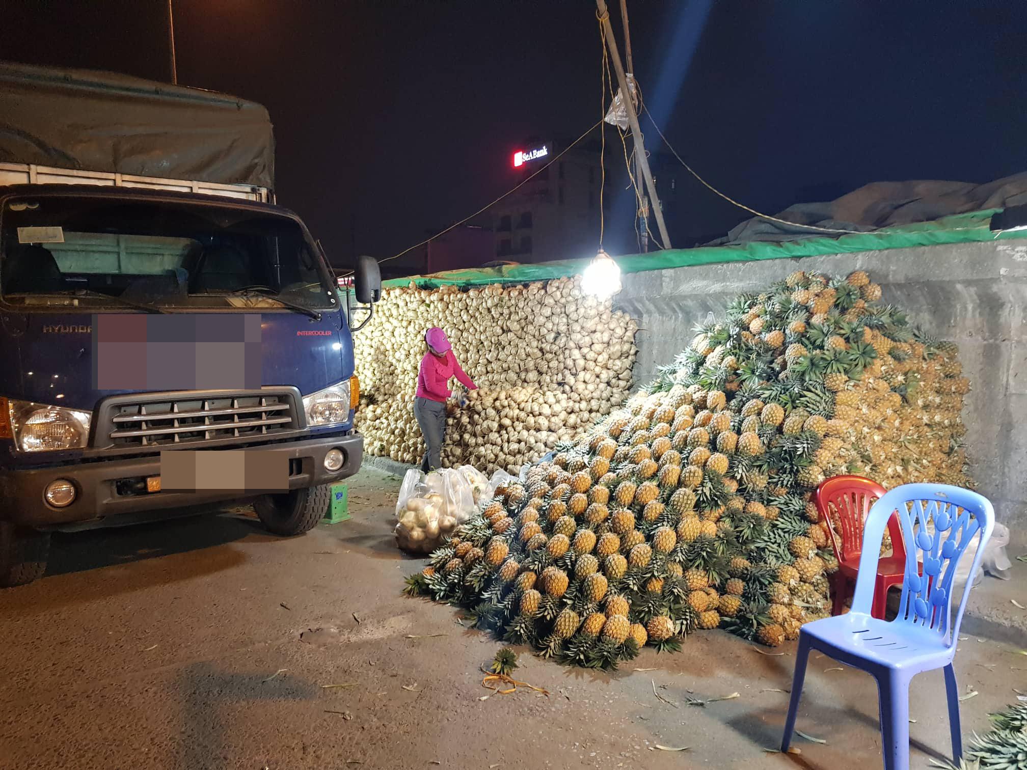 Khám phá những khu chợ đầu mối lớn nhất Việt Nam - Ảnh 3.