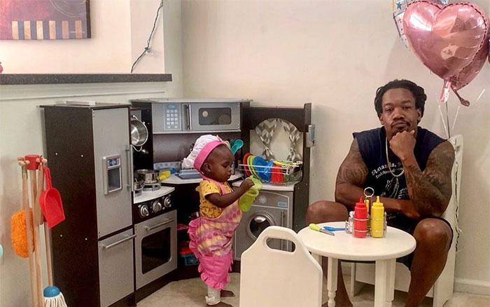 Viết bài review về nhà hàng của con gái, ông bố tiết lộ một chi tiết vì sao nhà hàng ế ẩm khiến ai cũng cười bò