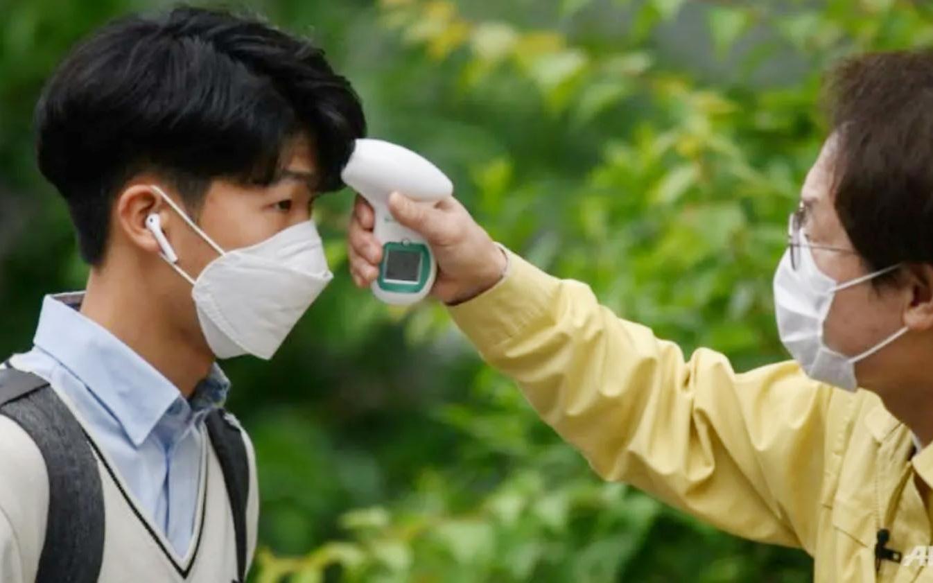 Cập nhật dịch COVID-19: Thế giới có hơn 5,9 triệu người mắc bệnh, một số nước tái áp đặt biện pháp phòng chống