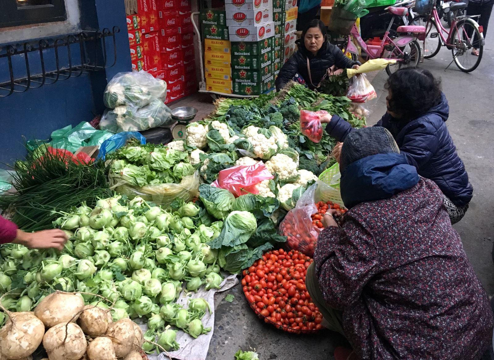 Khám phá những khu chợ đầu mối lớn nhất Việt Nam - Ảnh 4.