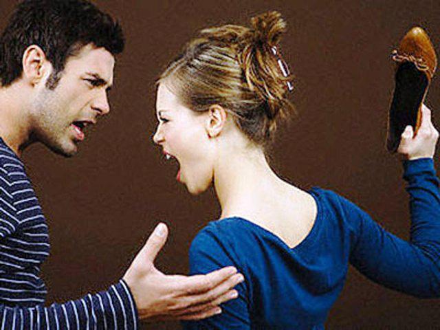 Ghen tuông mù quáng, vợ làm việc này với chồng trước mặt bạn bè khiến anh ta mất hết mặt mũi - Ảnh 2.