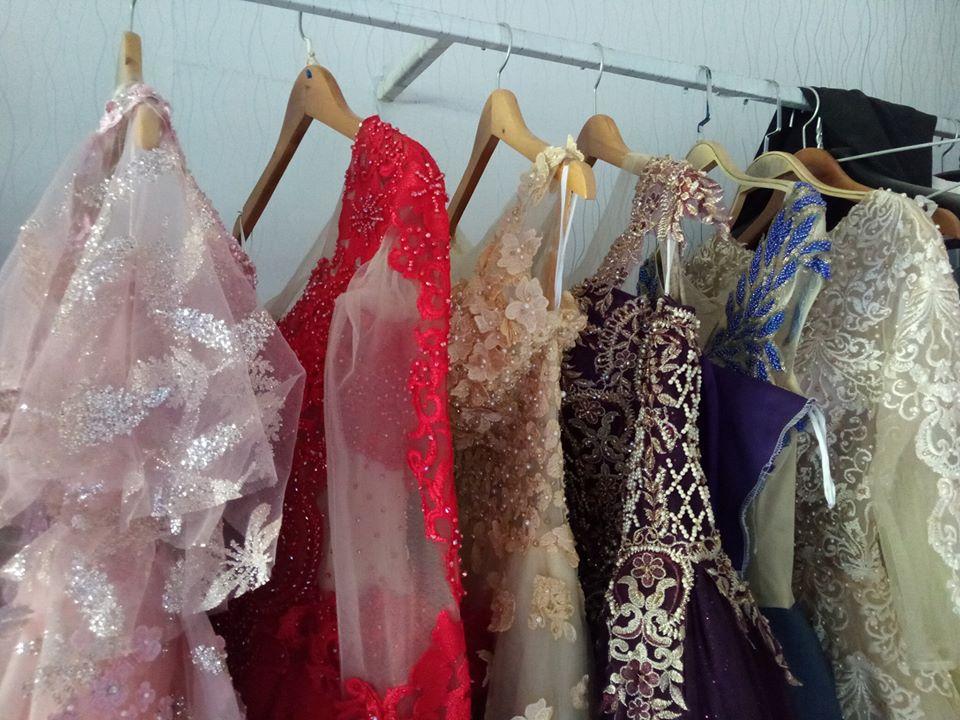 Váy cưới thanh lý chỉ 200 ngàn đến 1,5 triệu/chiếc, cô dâu Việt thích thú order nhằm tiết kiệm 1 khoản ngày cưới - Ảnh 2.
