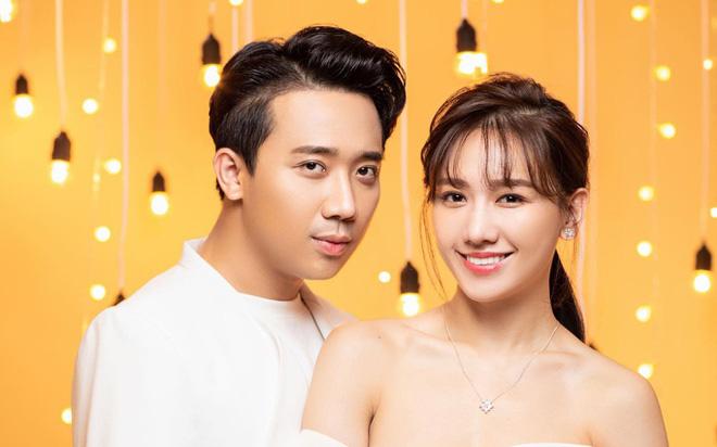 Trấn Thành tuyên bố thưởng 5 triệu đồng cho ai tìm ra người vu khống anh dùng chất cấm, Hari Won cũng lên tiếng động viên chồng