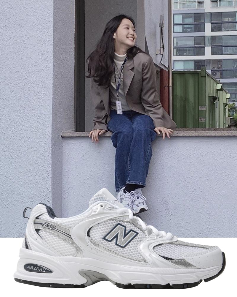 """Phim của Lee Min Ho có """"xịt ngóm"""" thì dân tình vẫn mãn nhãn trước list sneakers bình dân đi vào lịch sử của Kim Go Eun - Ảnh 8."""