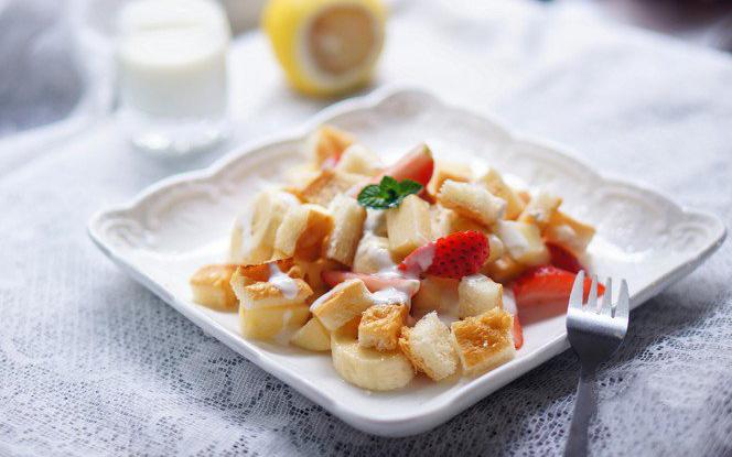 Muốn giảm cân, bữa tối không thể bỏ qua salad trái cây làm chỉ trong nháy mắt!