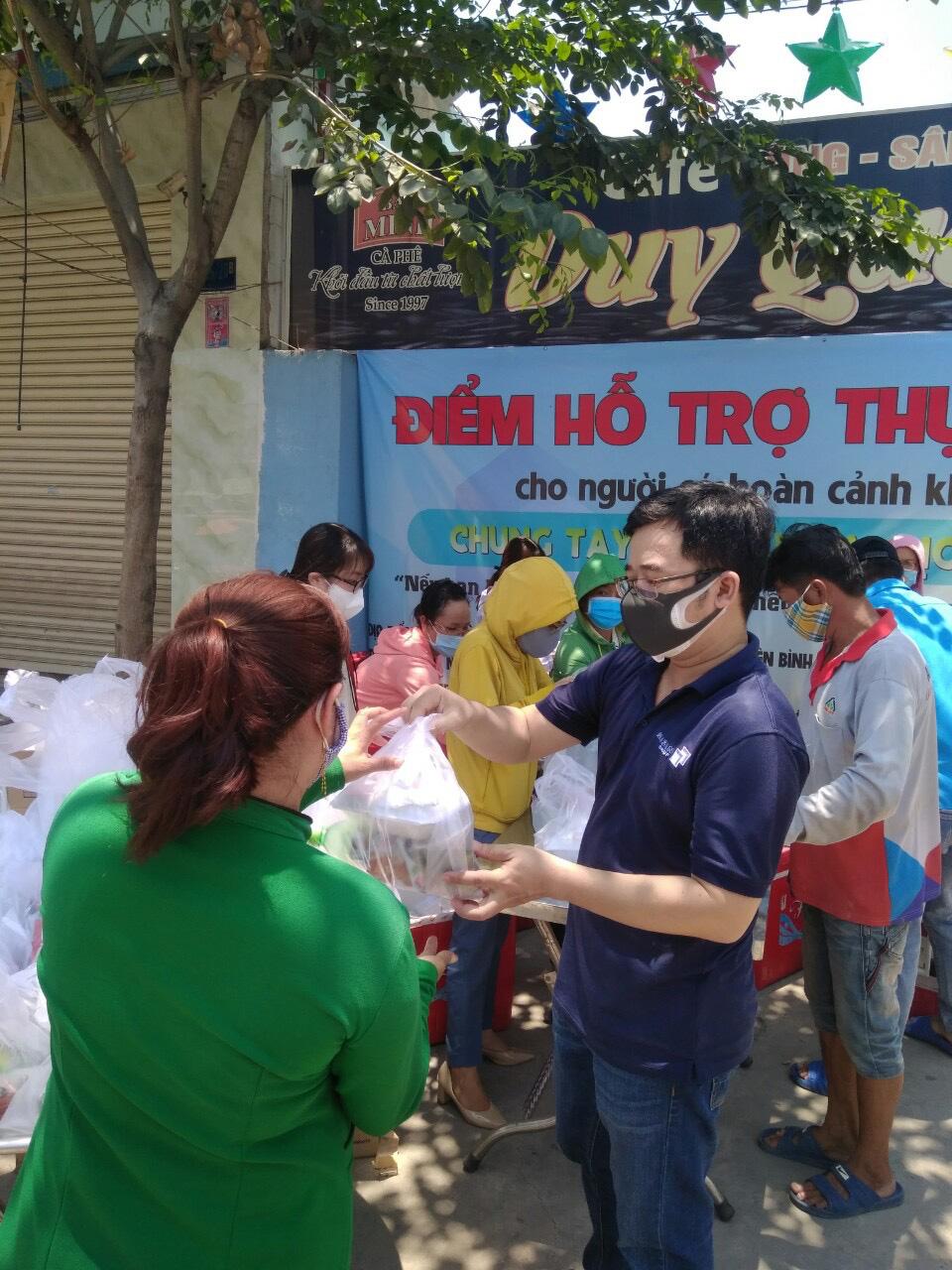 Masan Consumer trao tặng 10.000 phần quà cho công nhân các khu công nghiệp tại Tp. Hồ Chí Minh - Ảnh 2.