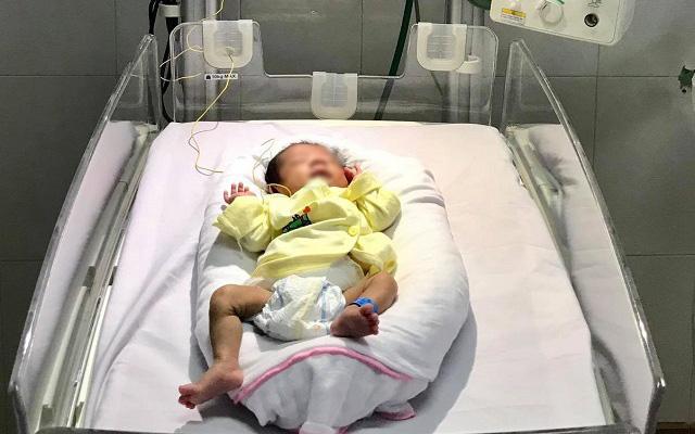 Nghệ An: Cứu sống trẻ sinh non lúc 28 tuần tuổi nặng 1,3kg, mắc bệnh lý hoại tử dạ dày hiếm gặp