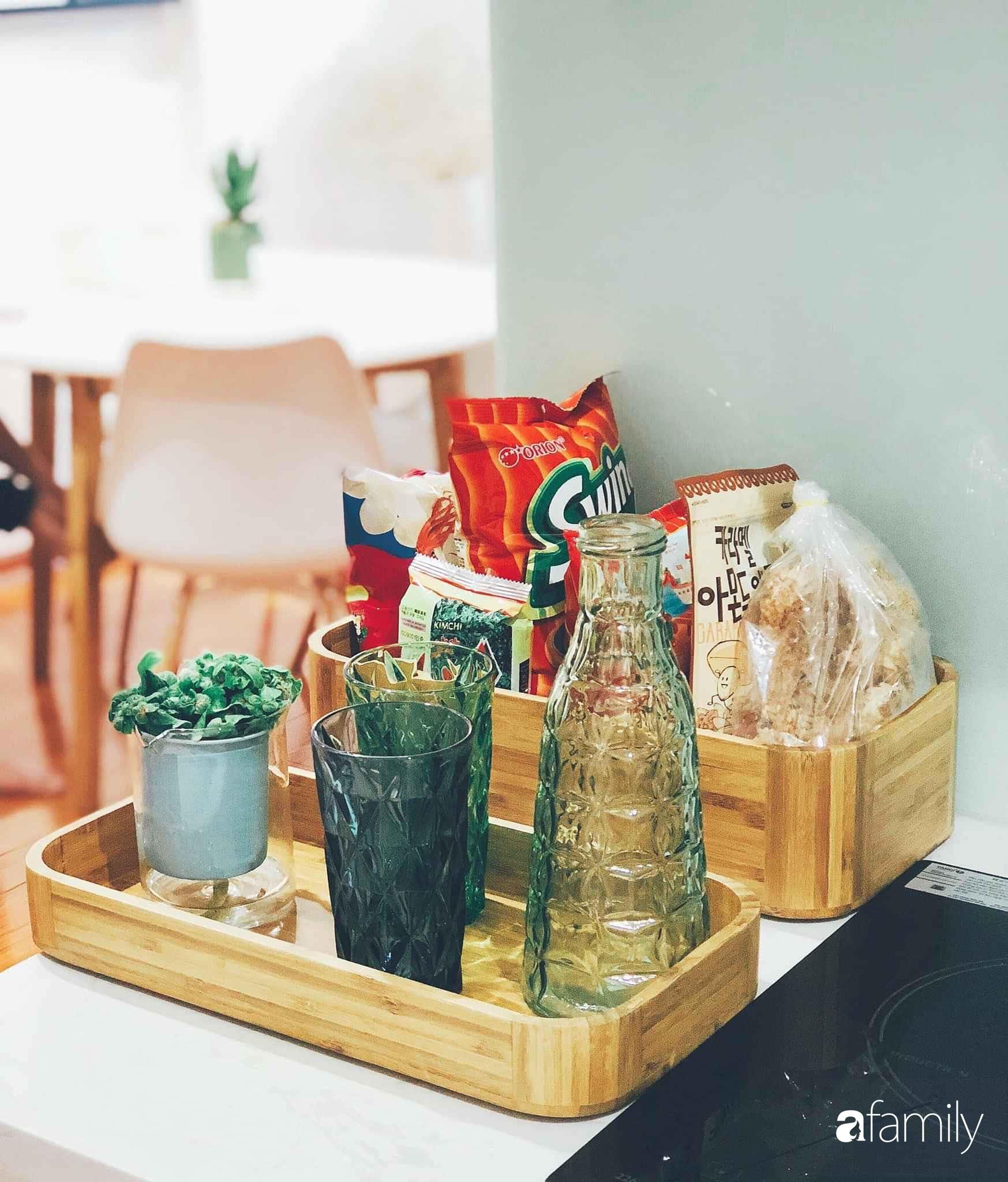 Bí quyết decor căn hộ 60m² luôn ngọt ngào và thoảng nhẹ hương thơm dịu dàng ở Hà Nội - Ảnh 13.