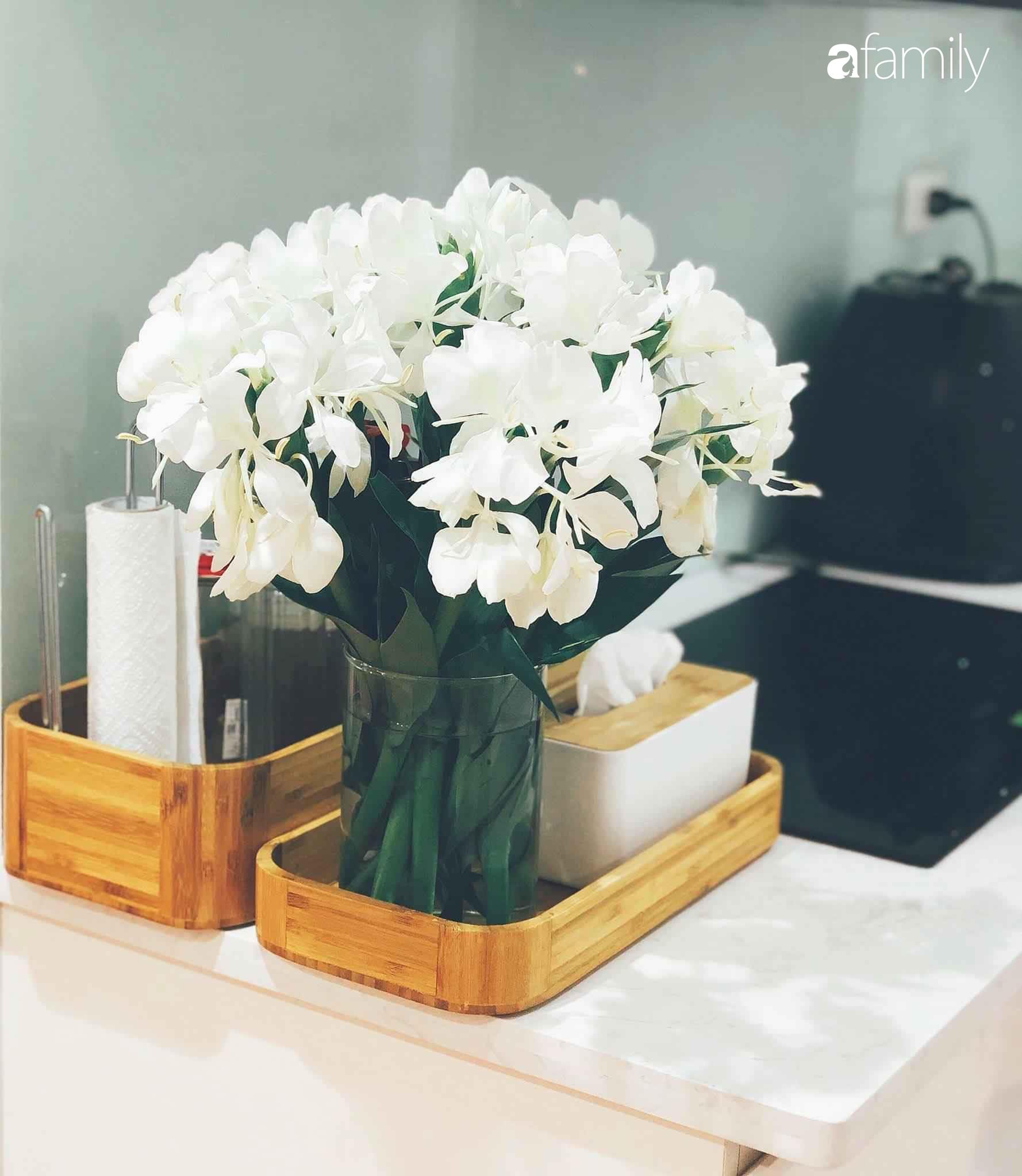 Bí quyết decor căn hộ 60m² luôn ngọt ngào và thoảng nhẹ hương thơm dịu dàng ở Hà Nội - Ảnh 15.