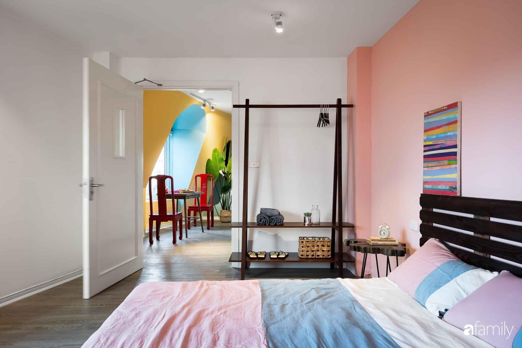 Ngôi nhà biến hóa linh hoạt với đủ sắc màu rực rỡ của bà mẹ trẻ xinh đẹp ở Hà Nội - Ảnh 12.