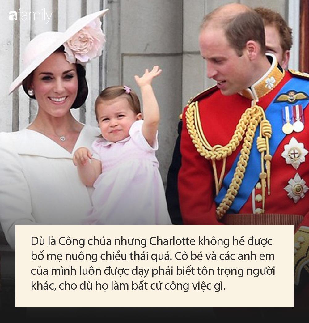 Công chúa nước Anh tròn 5 tuổi: Ở nhà được mẹ dạy cực kỳ tinh tế, đến trường thì thầy cô uốn nắn theo cách đặc biệt như này - Ảnh 4.