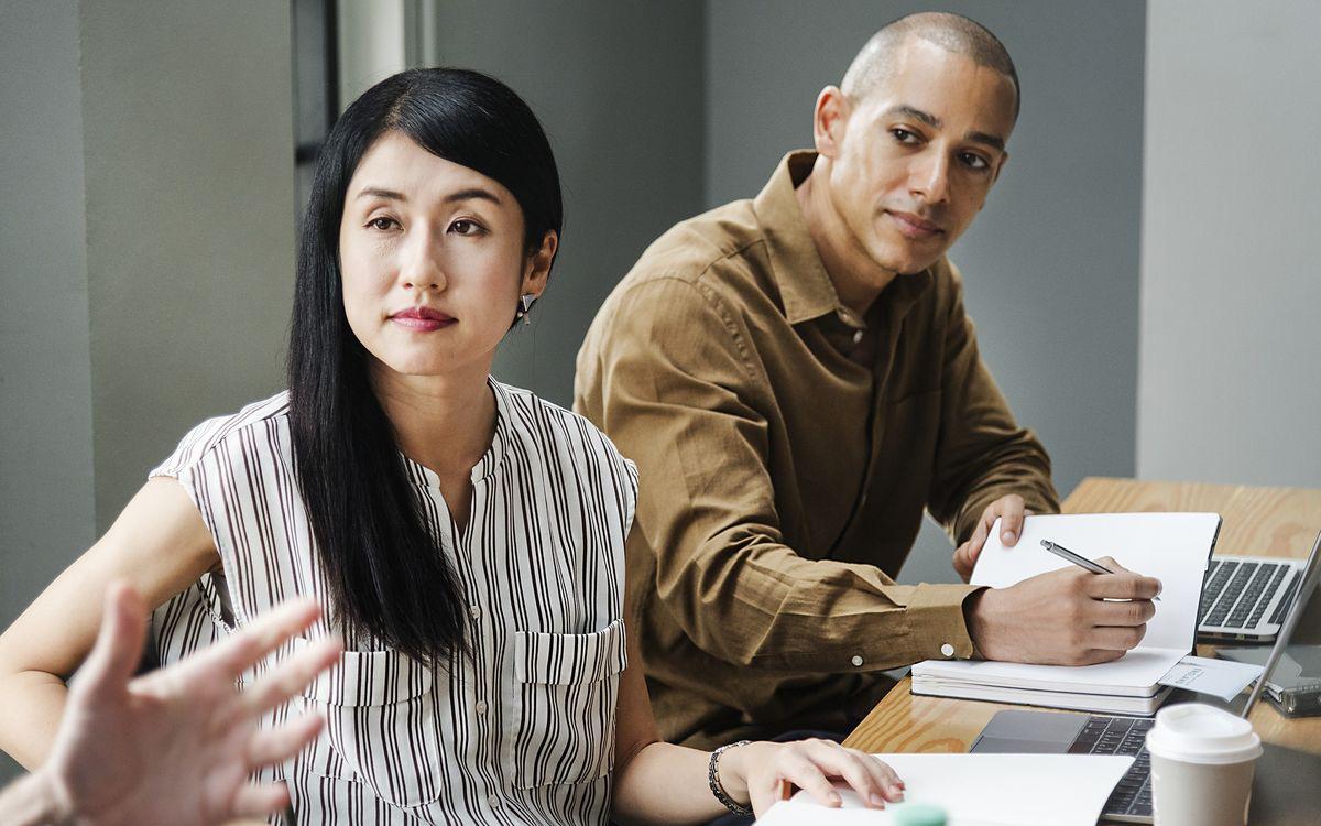 """Nói người trẻ Việt chỉ biết """"im"""" khi làm việc, chuyên gia Nguyễn Phi Vân chỉ ra """"7 chữ C"""" cần nhớ khi trò chuyện"""
