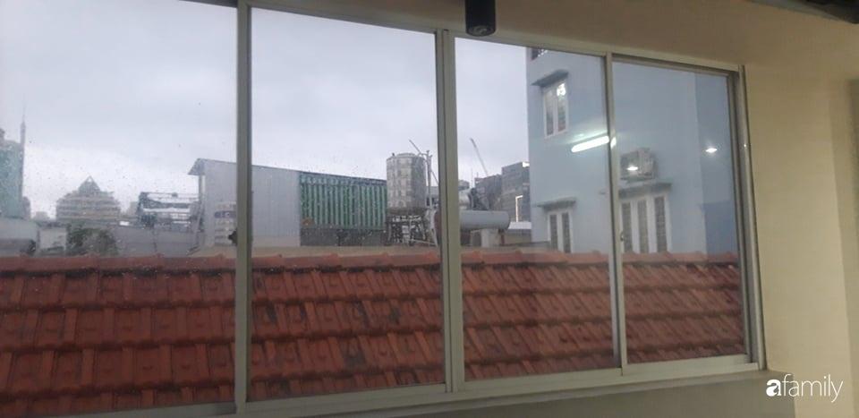 Chi 20 triệu đồng, sân thượng tầng 4 trở thành không gian sống tiện ích, nhiều ánh sáng tự nhiên ở quận 1, Sài Gòn - Ảnh 2.