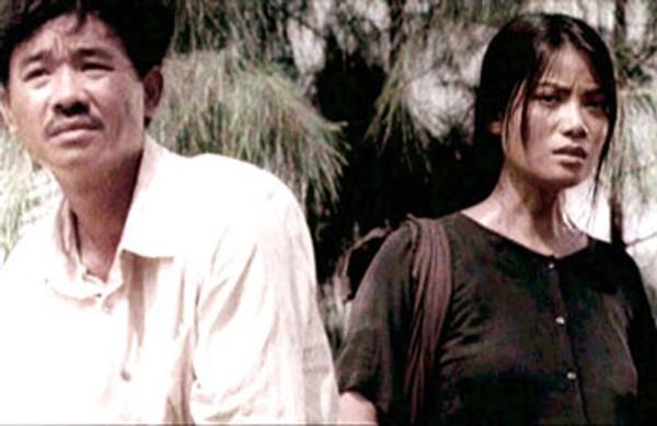 """Phim Việt về tình mẹ không thể bỏ qua: Thu Trang làm mẹ khờ nuôi con, Trương Ngọc Ánh gây sửng sốt với """"Áo lụa Hà Đông""""  - Ảnh 9."""