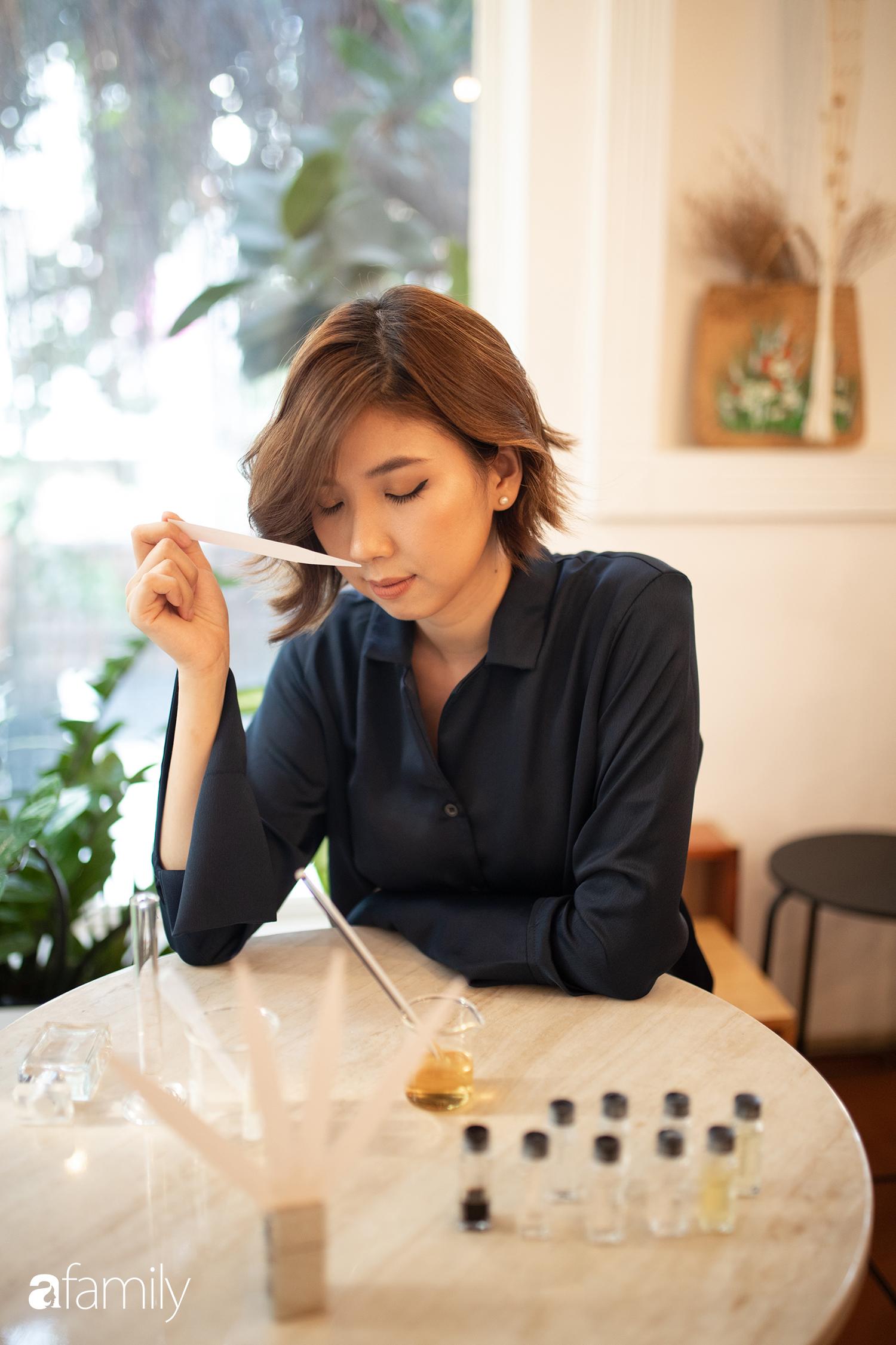 Rei Nguyễn - Nghệ sĩ nước hoa người Việt đầu tiên tổ chức triển lãm tại Nhật Bản, từ bỏ nghề Ngân hàng để được cháy hết mình trong thế giới mùi hương - Ảnh 14.