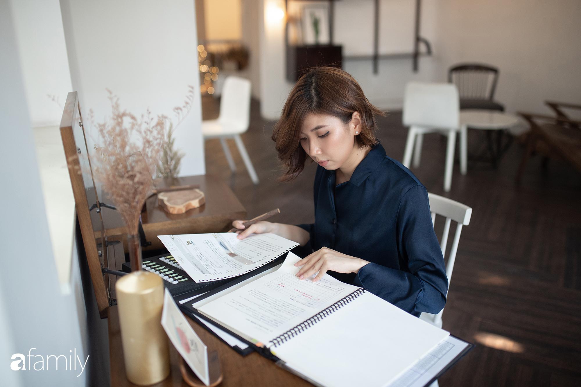 Rei Nguyễn - Nghệ sĩ nước hoa người Việt đầu tiên tổ chức triển lãm tại Nhật Bản, từ bỏ nghề Ngân hàng để được cháy hết mình trong thế giới mùi hương - Ảnh 9.
