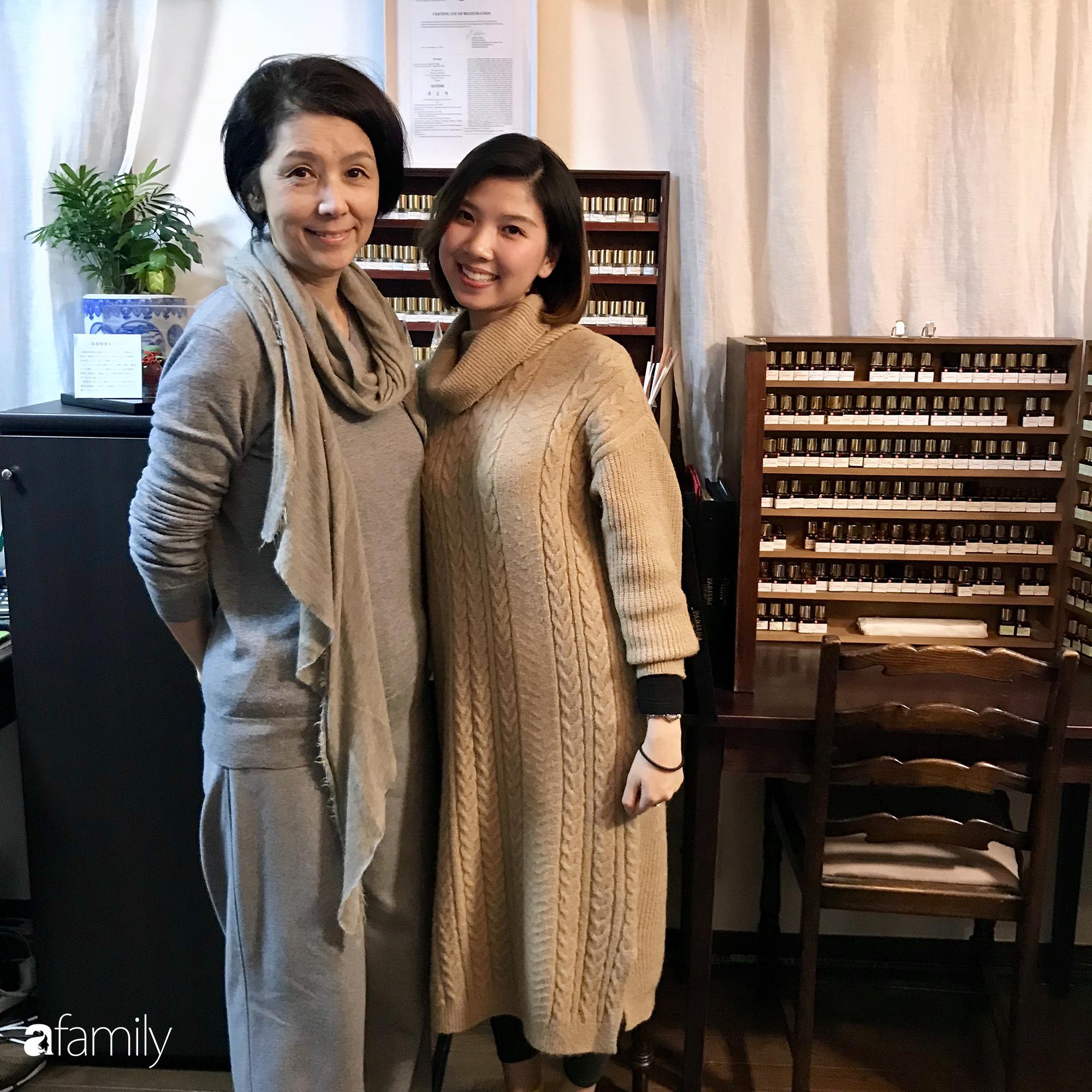 Rei Nguyễn - Nghệ sĩ nước hoa người Việt đầu tiên tổ chức triển lãm tại Nhật Bản, từ bỏ nghề Ngân hàng để được cháy hết mình trong thế giới mùi hương - Ảnh 3.
