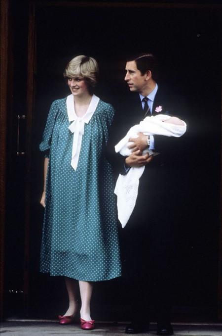 Ngày của Mẹ: Lại nhớ Công nương Diana lúc sinh thời, từng phá vỡ quy tắc Hoàng gia để tham gia cuộc chạy thi tại trường của các Hoàng tử khiến người hâm mộ nức lòng - Ảnh 14.