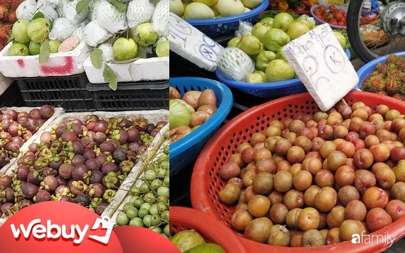 """""""Soi"""" giá mận hậu miền Bắc và măng cụt đầu mùa ở Sài Gòn: Mận rẻ giật mình, măng cụt mỗi chợ một giá"""