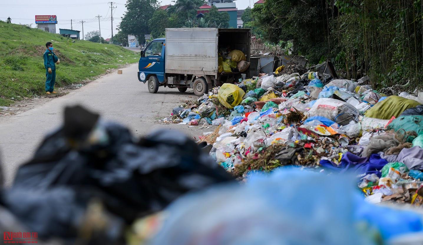 Chủ tịch Hà Nội Nguyễn Đức Chung chỉ đạo khẩn vụ rác thải từ khu cách ly Hạ Lôi - Ảnh 1.