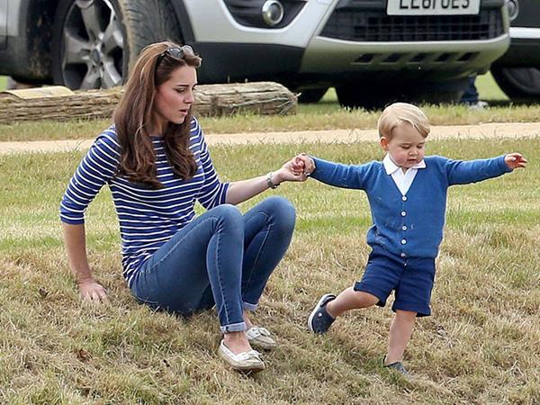 Công nương Kate - người mẹ đặc biệt của hoàng gia, dạy 3 người con theo cách của riêng mình - Ảnh 8.