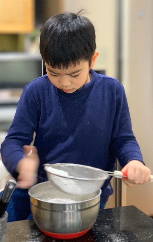Cảm nhận sức gắn kết gia đình tuyệt vời lan tỏa từ căn bếp nhỏ của người phụ nữ Hà Thành tài hoa - Ảnh 23.