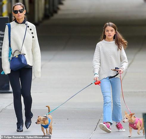 Cô con gái bị tài tử Tom Cruise bỏ rơi ngày ấy: Từ công chúa hóa Lọ Lem, nhưng giờ được cả thế giới ngợi khen vì 1 điều - Ảnh 5.