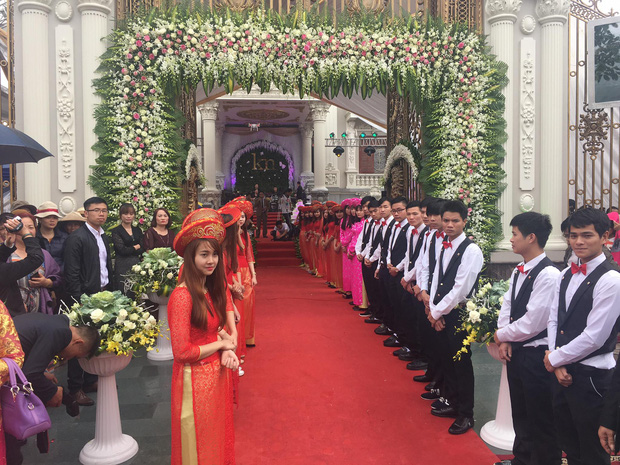 Cuộc sống của cô dâu được mẹ chồng trao vương miện 100 cây vàng trong ngày cưới ở Nam Định hiện tại ra sao? - Ảnh 2.