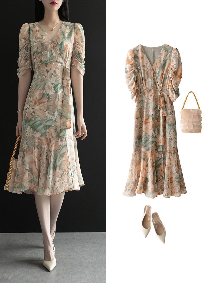 Diện váy liền họa tiết hoa rất dễ già đi, nhưng biết vài tips sau thì đảm bảo luôn trẻ xinh lung linh  - Ảnh 7.