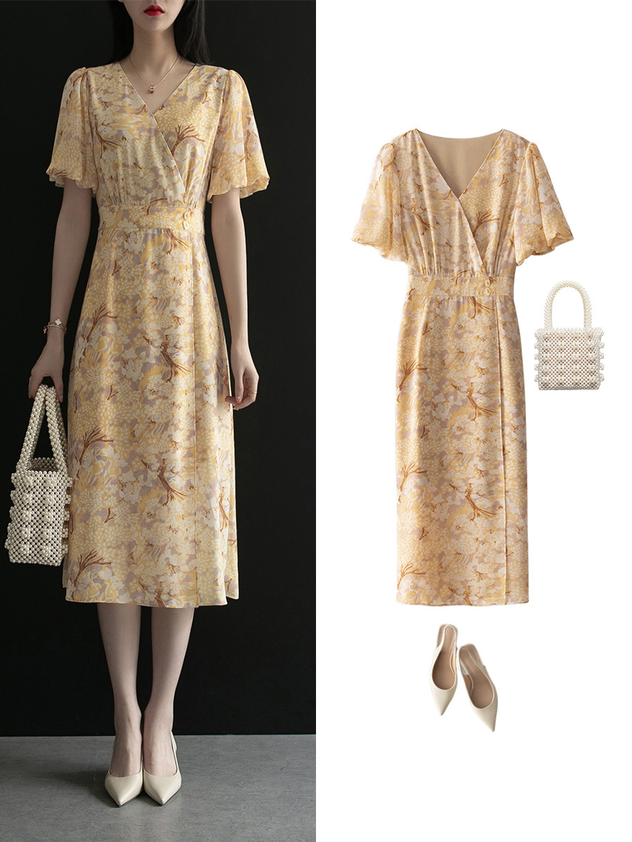 Diện váy liền họa tiết hoa rất dễ già đi, nhưng biết vài tips sau thì đảm bảo luôn trẻ xinh lung linh  - Ảnh 10.