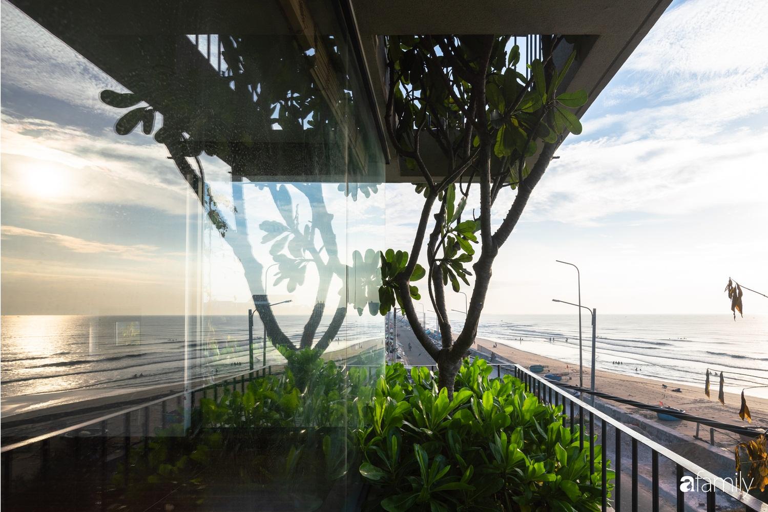 Ngôi nhà 3 tầng view biển Vũng Tàu với thiết kế mang ánh sáng và cây xanh đến từng góc nhỏ - Ảnh 5.