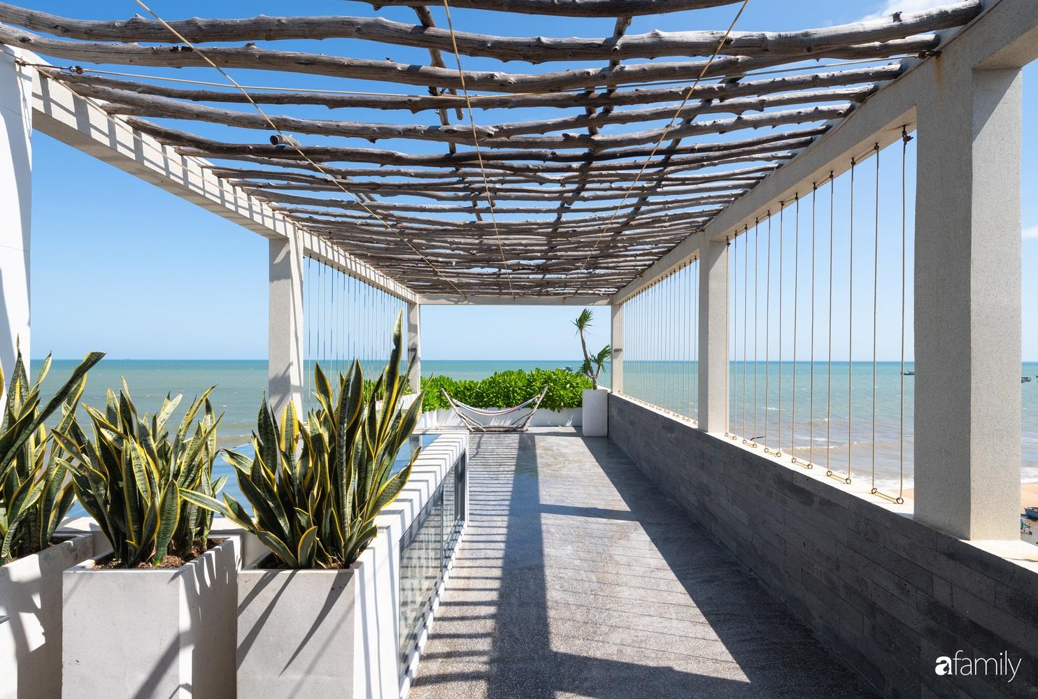 Ngôi nhà 3 tầng view biển Vũng Tàu với thiết kế mang ánh sáng và cây xanh đến từng góc nhỏ - Ảnh 3.